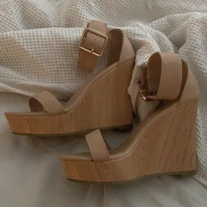 Bellini Nude / Tan Wedges - Size 7